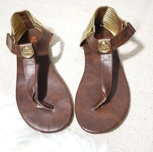 MICHAEL KORS leather brown thong sandals size 5